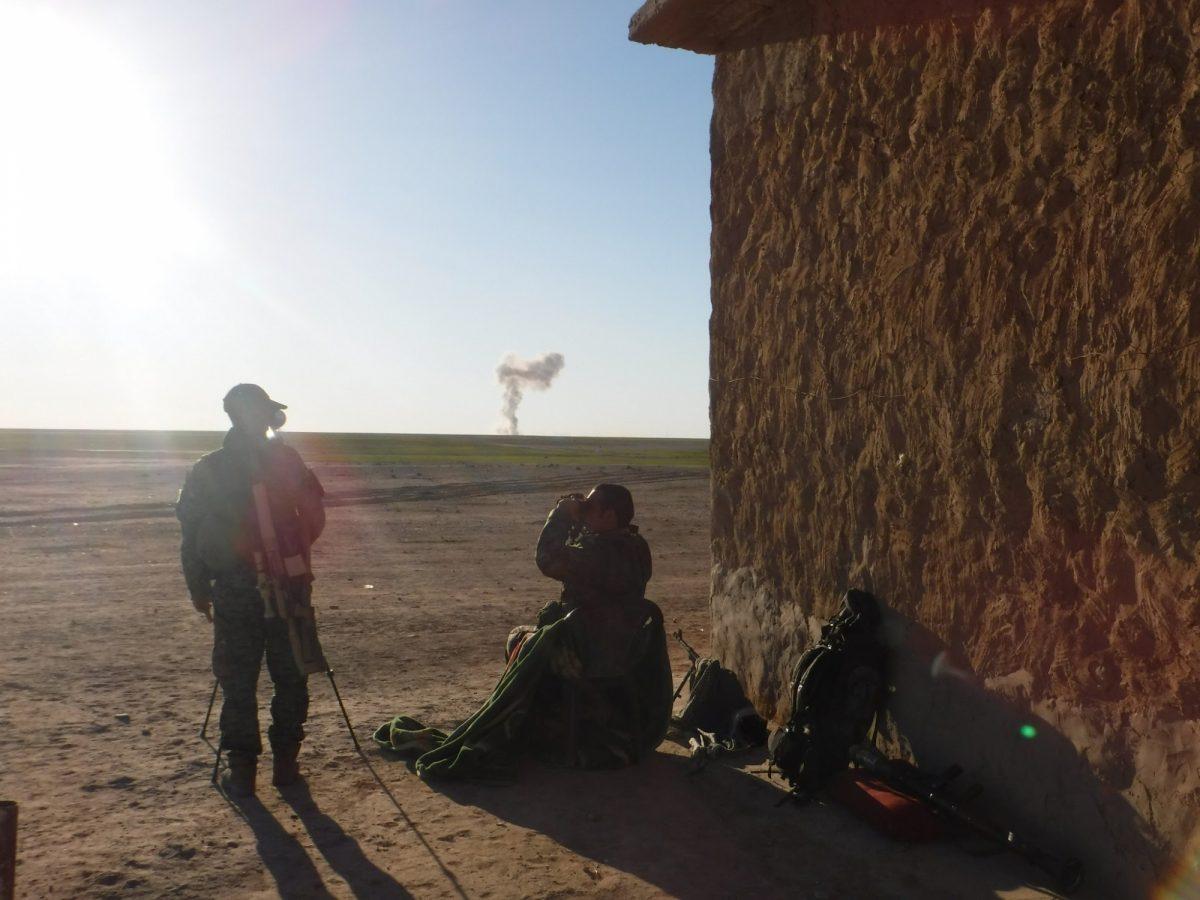 Kurdos de Siria dicen que seguirán luchando contra el EI pese a retirada de EEUU