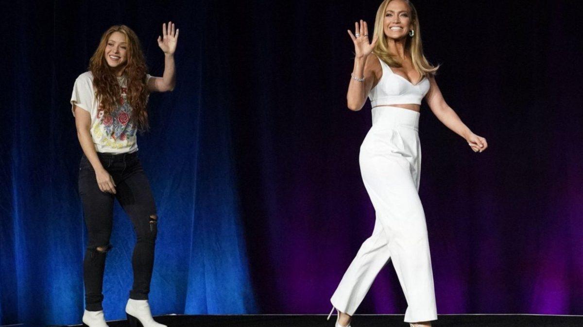 Memes para Shakira y 'J Lo' por su vestimenta