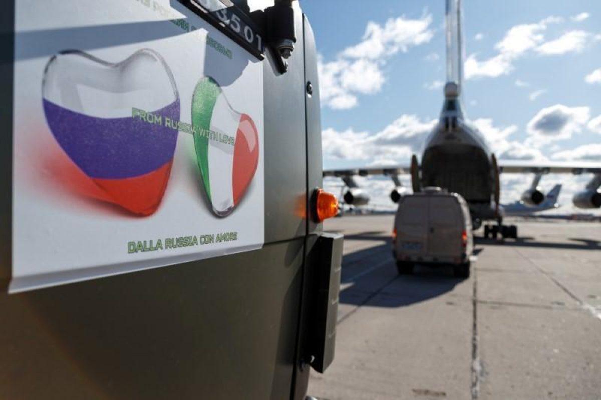 """Aseguran que el 80% de la ayuda que Rusia envió a Italia para el coronavirus es """"inútil"""" en medio los temores por la presencia de militares rusos en el país"""