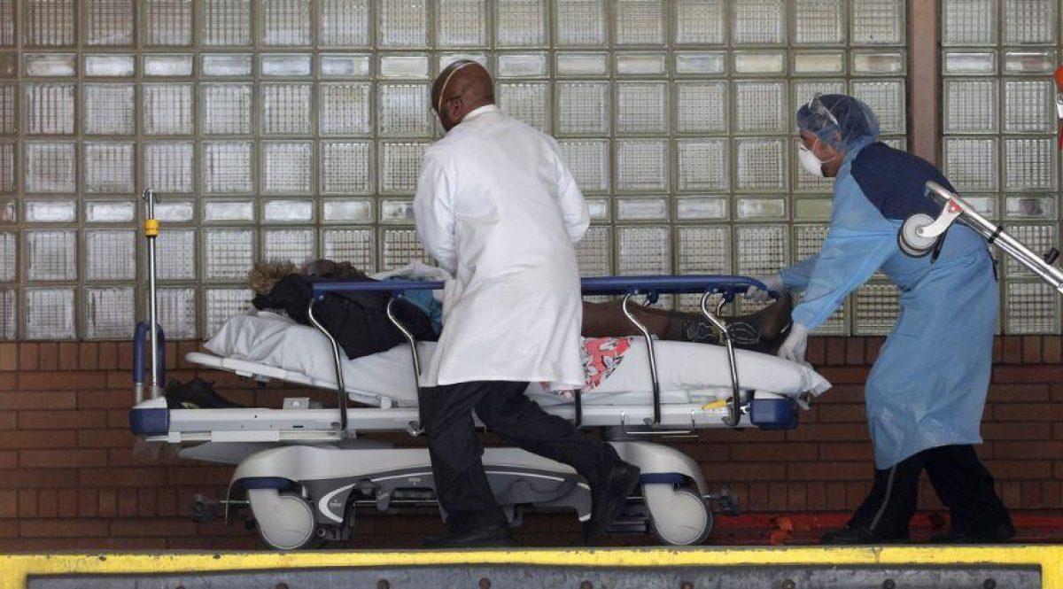 EE.UU. registra un nuevo récord de muertes por covid-19: Se confirmó casi 2.000 fallecimientos durante las últimas 24 horas