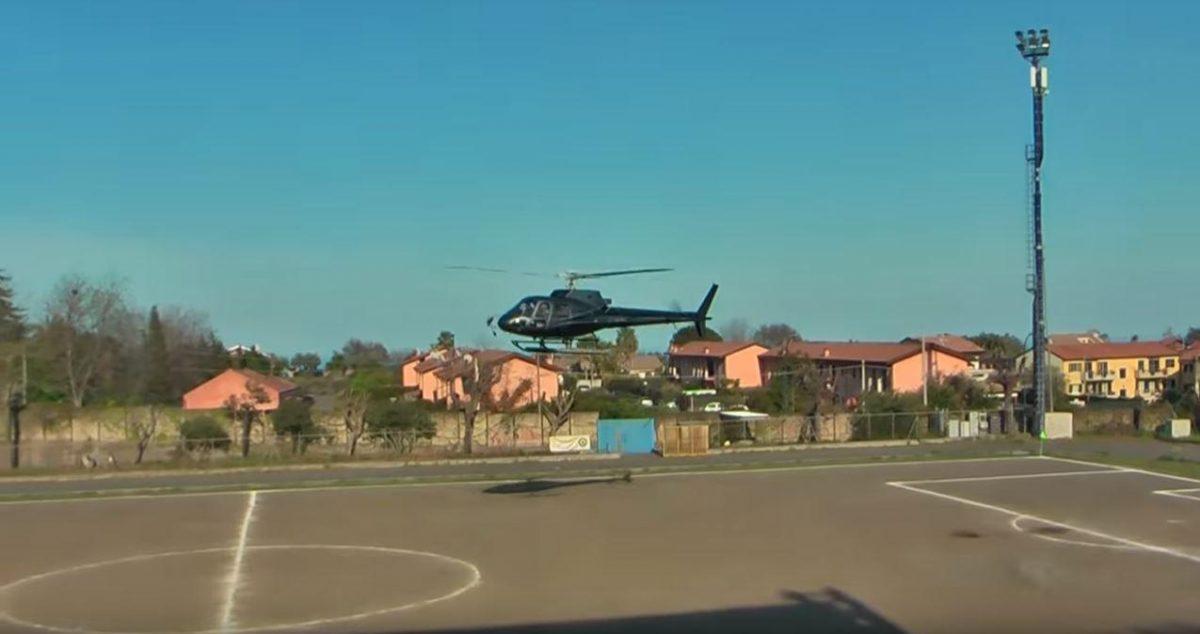 VIDEO | 'Secuestran' a jugador italiano y se lo llevan del partido en helicóptero