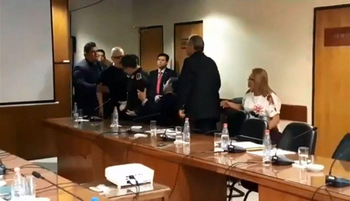"""VIDEO: agradecimiento """"a Dios"""" crea incidente en Senado de Paraguay"""