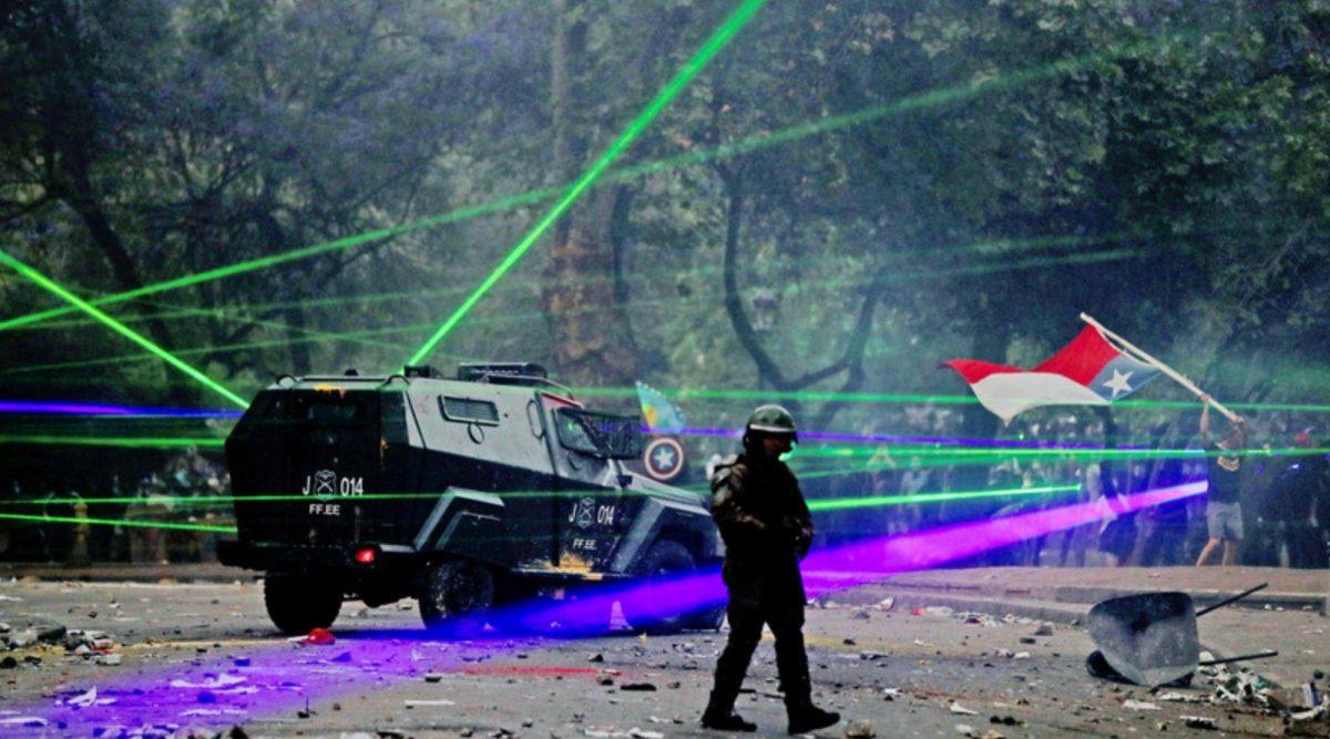 Chile: Manifestantes usan punteros láser como arma para cegar a la Policía