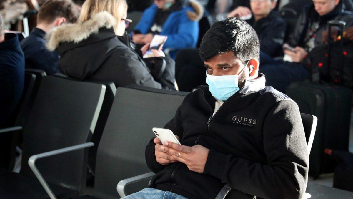 Hombre con coronavirus asistió a concierto junto a miles de personas