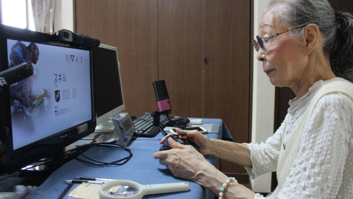 Una abuelita japonesa de 90 años vive enganchada a los videojuegos