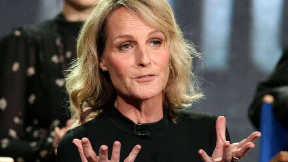 Hospitalizan a la actriz estadounidense Helen Hunt tras sufrir un accidente de auto