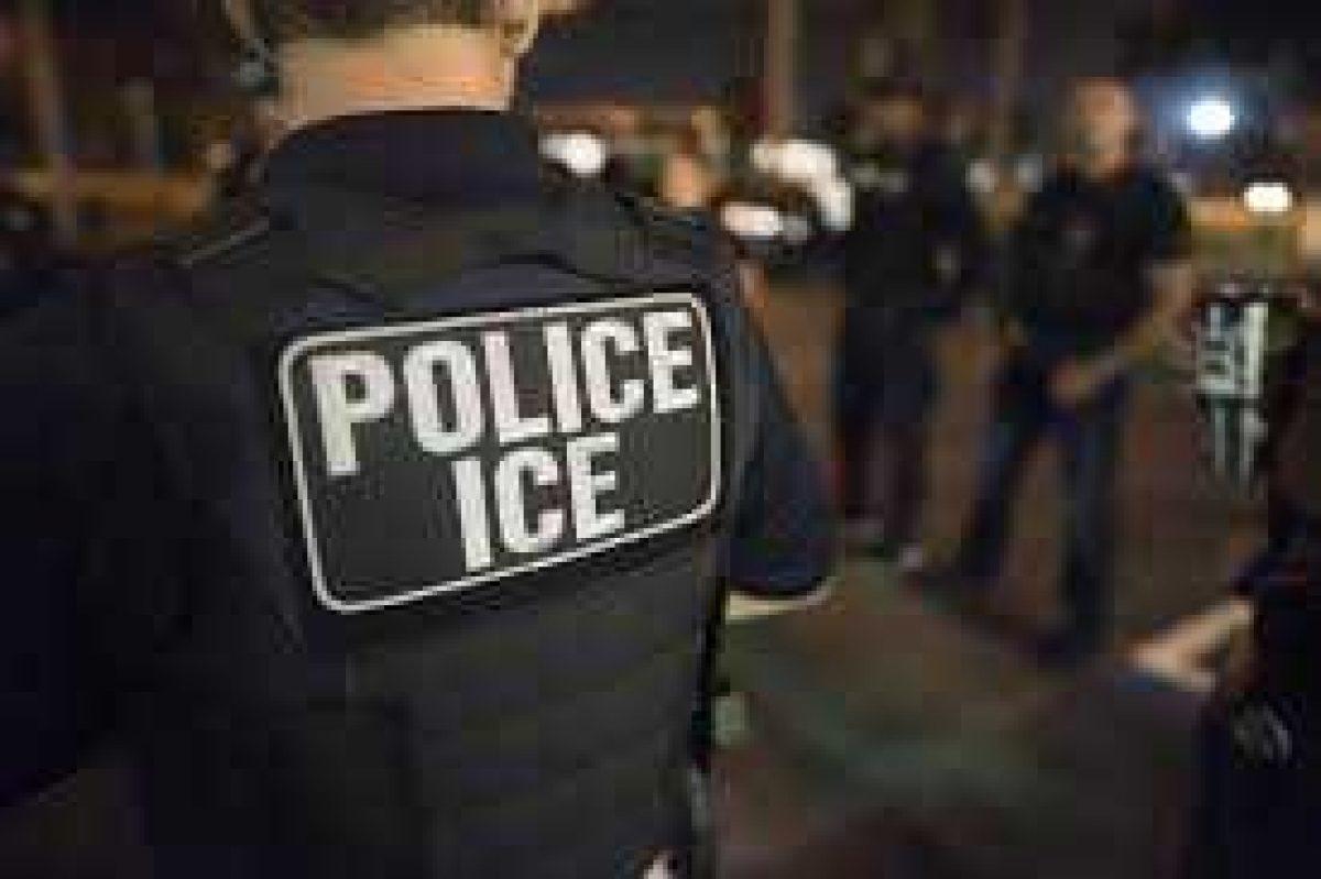 """Maestro amenaza a adolescente de 14 años: """"Trump trabaja para deportarte"""""""