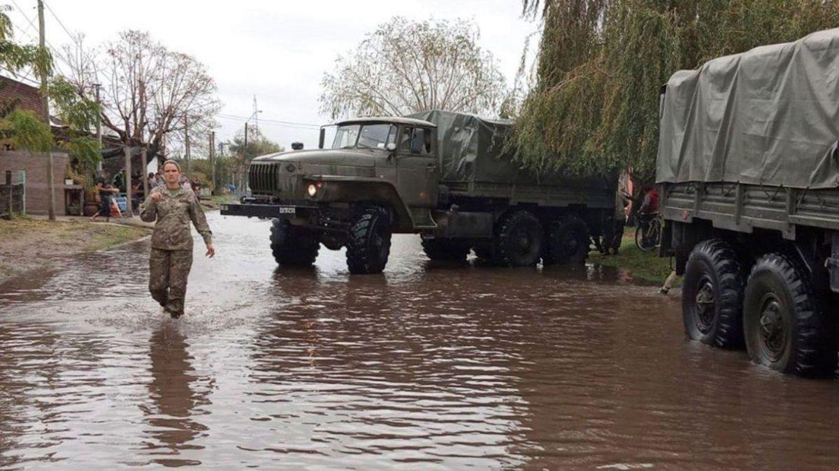 Aumenta a 7.500 cifra de desplazados por inundaciones en Uruguay