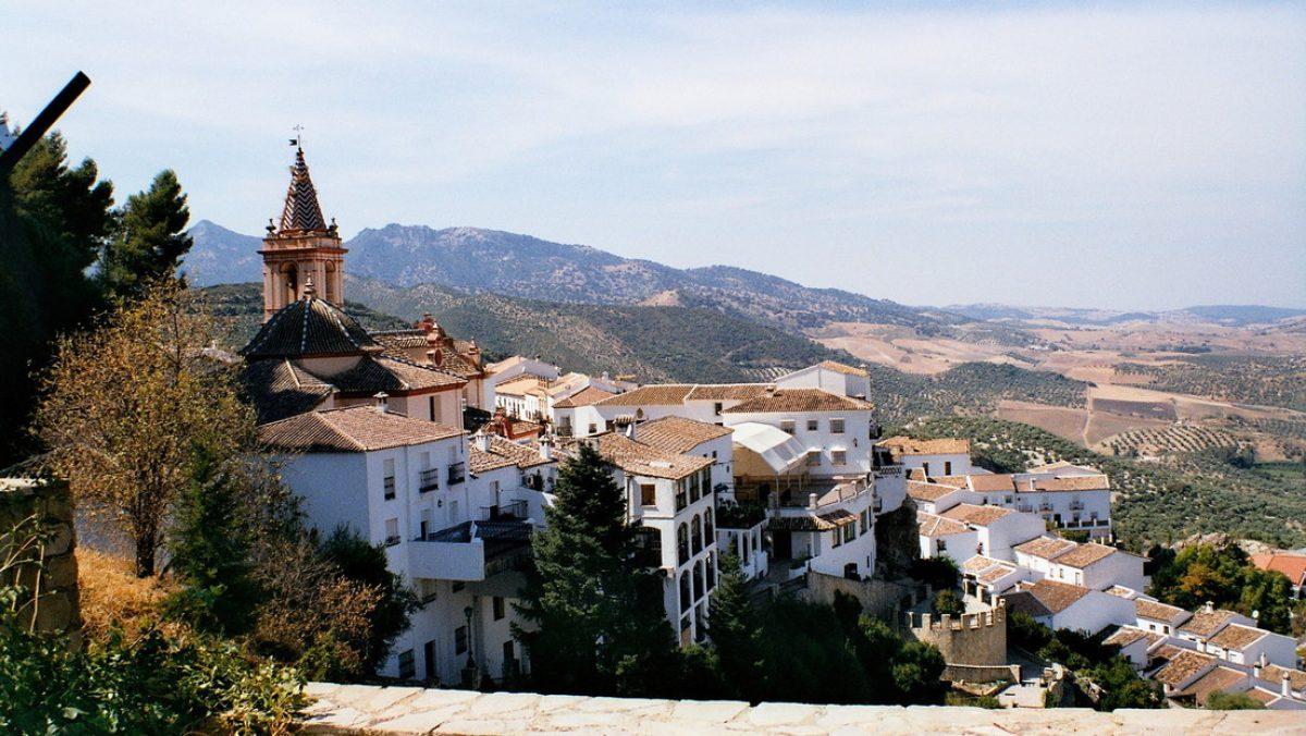 Una aldea española sin casos de coronavirus se autoaisla para protegerse de los contagios