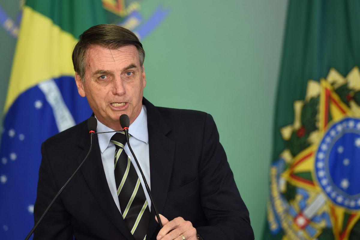 VIDEO: Bolsonaro flexibiliza la posesión de armas en Brasil