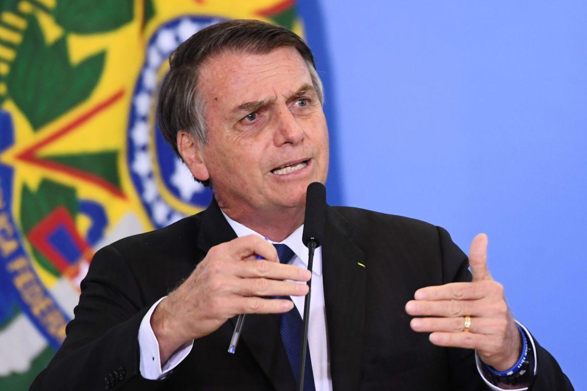 VIDEO | Bolsonaro flexibiliza reglas de armas para caza y tiro deportivo