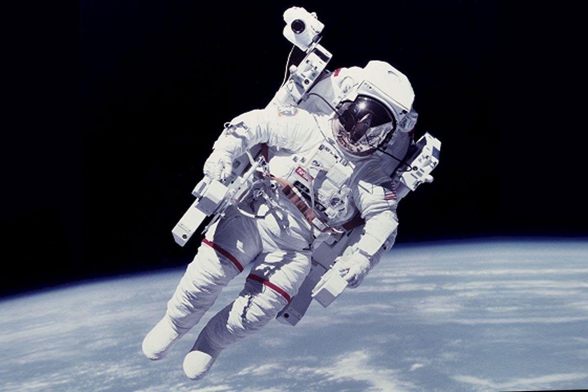 Astronauta hace llamada al 911 ¿desde el espacio?