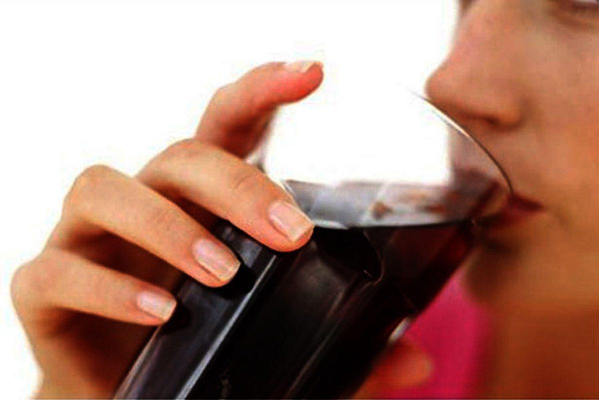 Lo peligroso de beber dos bebidas dietéticas al día