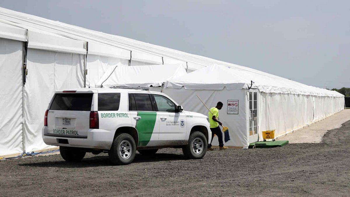 En carpas y por videoconferencia: así comenzarán a tramitar las solicitudes de asilo de inmigrantes en la frontera