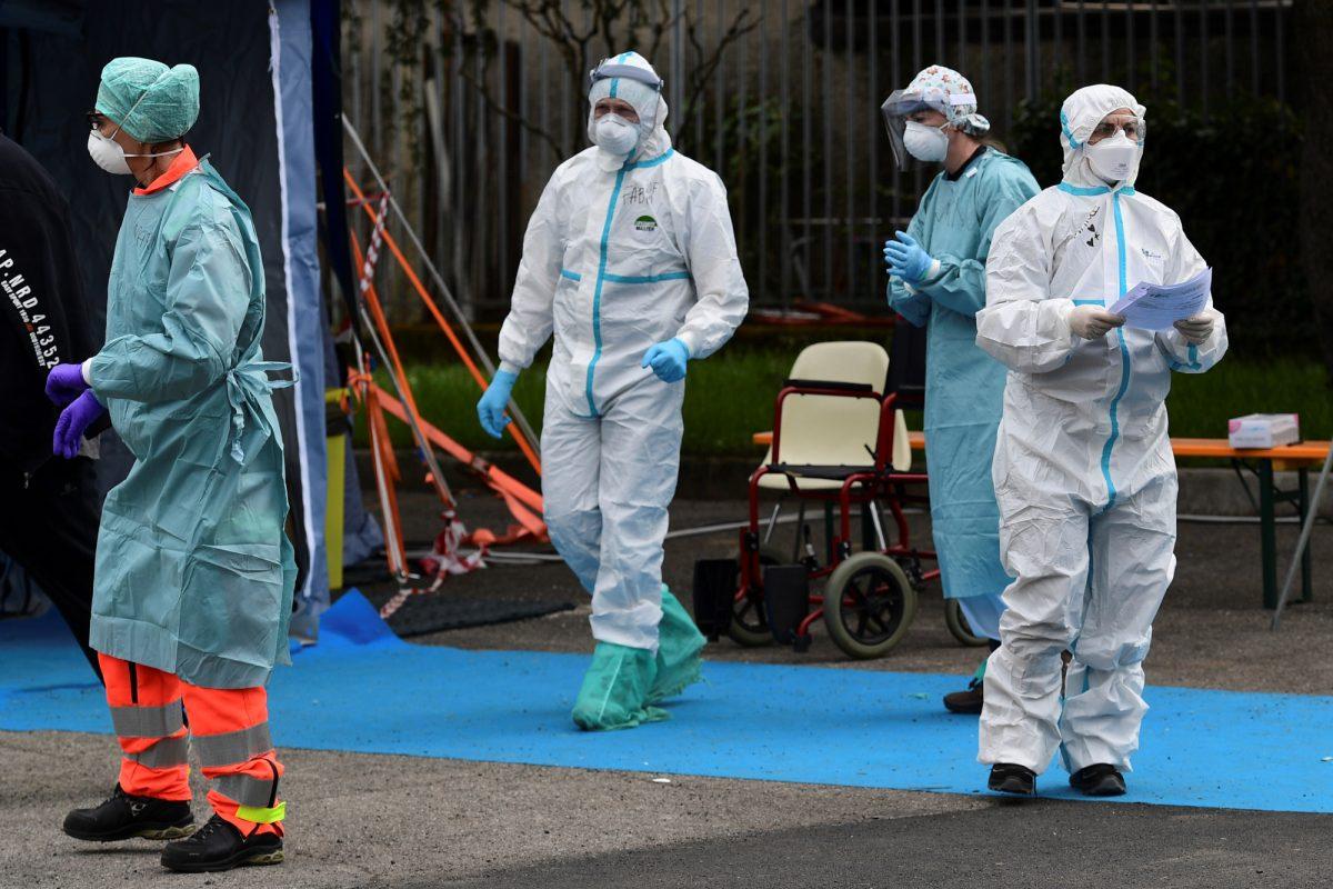 Un centenar de médicos italianos ha muerto por coronavirus