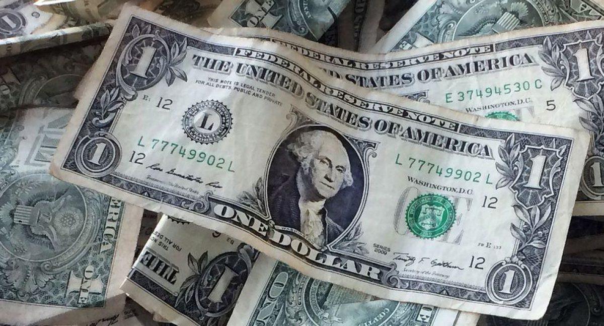 El dólar se dispara en Venezuela y crece un 30.6% frente al bolívar en las primeras jornadas del año