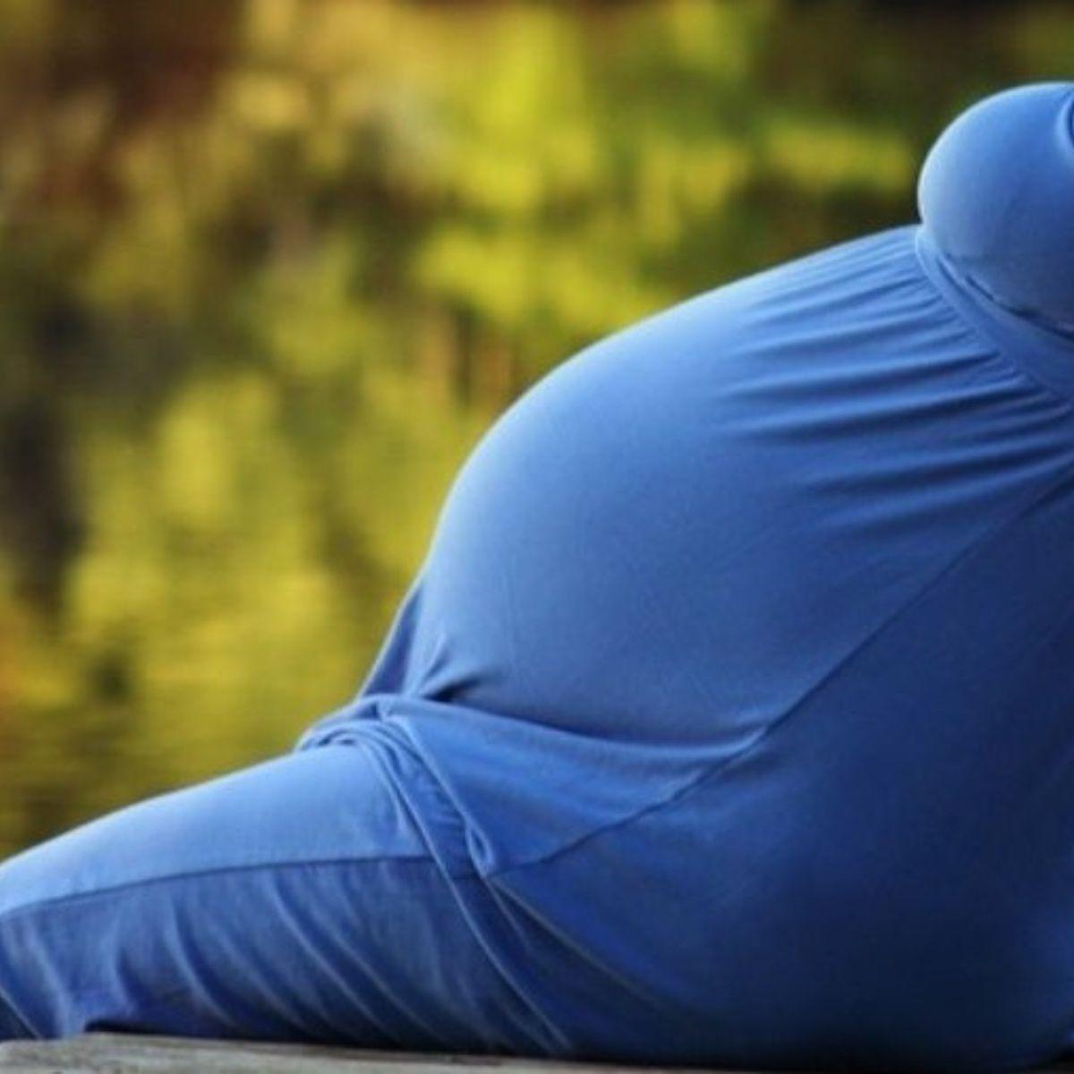 VIDEO | Se ahorra 60 dólares en equipaje extra al fingir estar embarazada