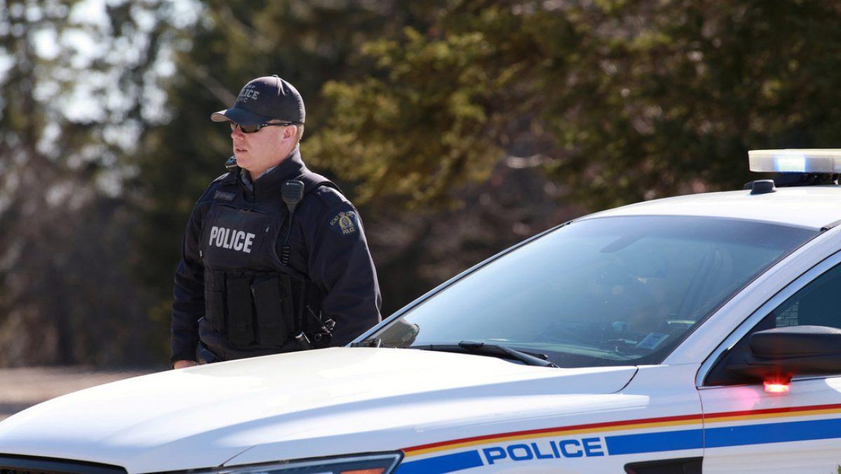 Canadá | Un hombre armado y vestido de policía mata a 16 personas