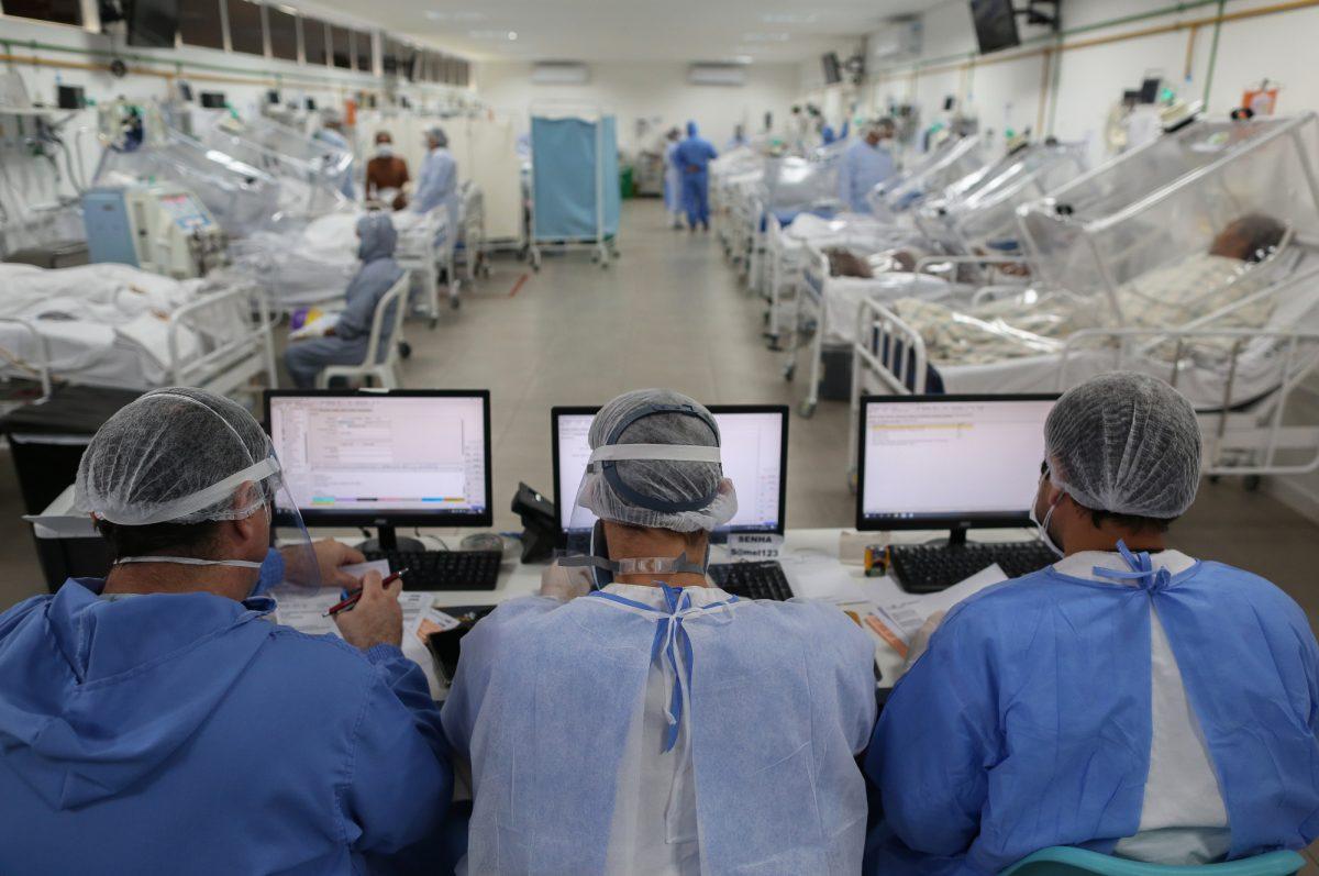 Brasil registra más de mil muertes de covid-19 en las últimas 24 horas