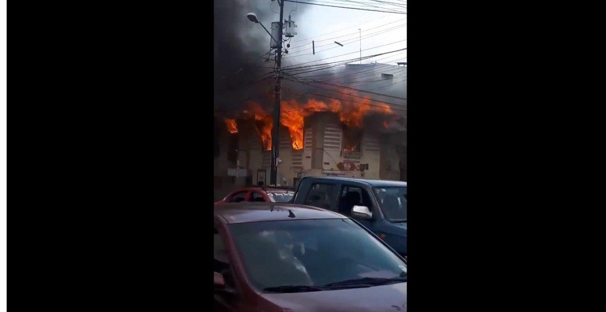 VIDEO | Guayaquil: se registra incendio de una vivienda en Portete y Seis de Marzo