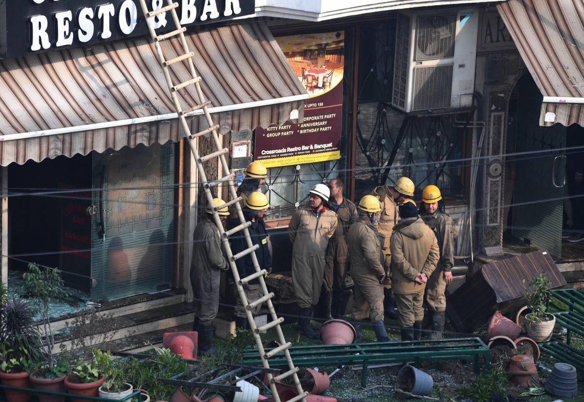 VIDEO: más de una decena de muertos en incendio en un hotel de India
