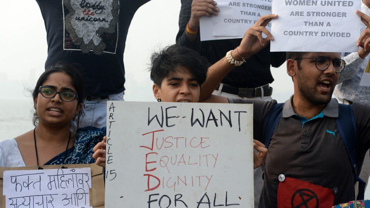 Cuatro hombres que violaron y asesinaron a una joven en la India serán ejecutados