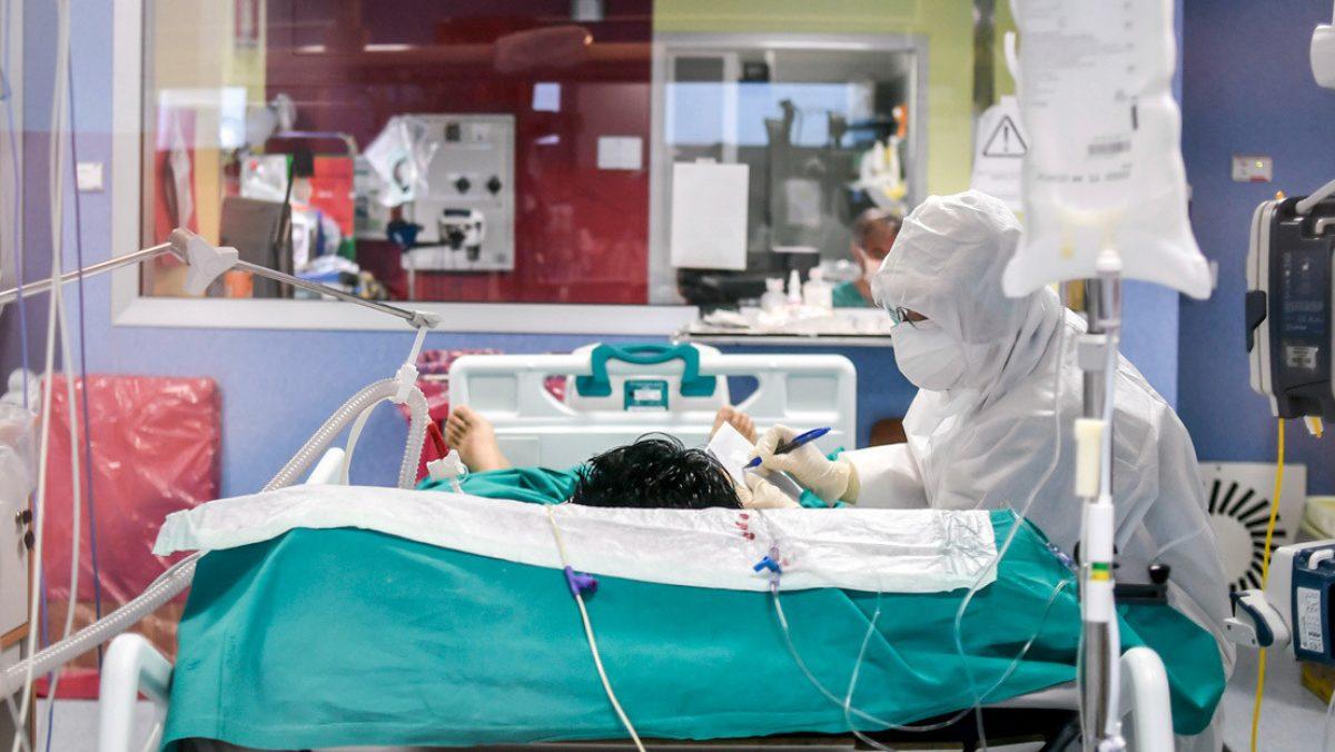 Italia registra 578 muertes y 2.667 contagios por coronavirus en 24 horas, continuando la reciente tendencia a la baja