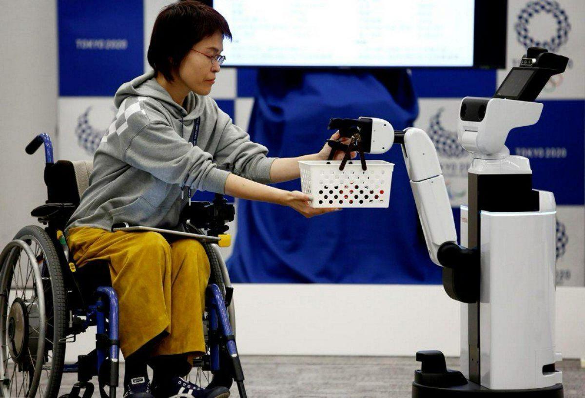 Robots que ayudarán a usuarios de sillas de ruedas y voluntarios
