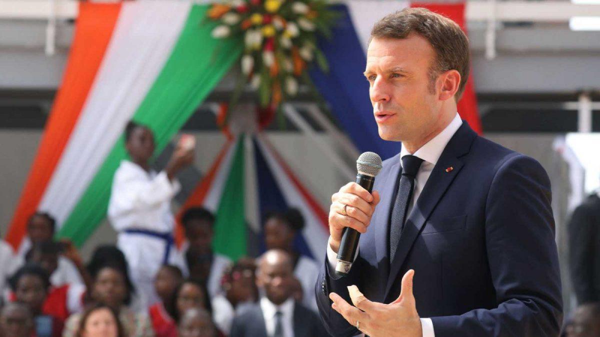 """El presidente de Francia anuncia que 33 """"terroristas"""" fueron """"neutralizados"""""""