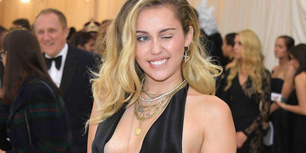 Miley Cyrus se recupera de una operación de urgencia en las cuerdas vocales
