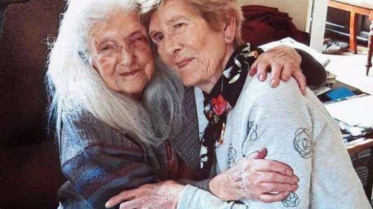 Una mujer finalmente conoció a su madre, de 103 años
