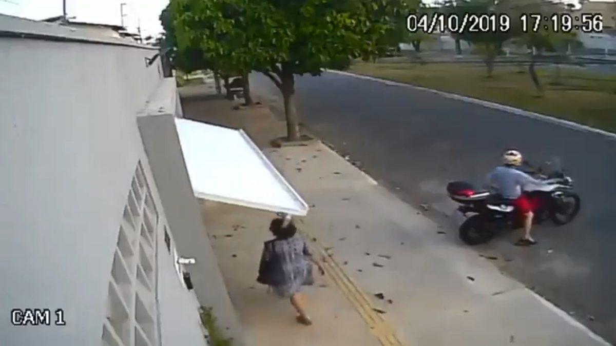 VIDEO   Se hizo viral por quedarse atrapada en garaje y ahora protagoniza un anuncio