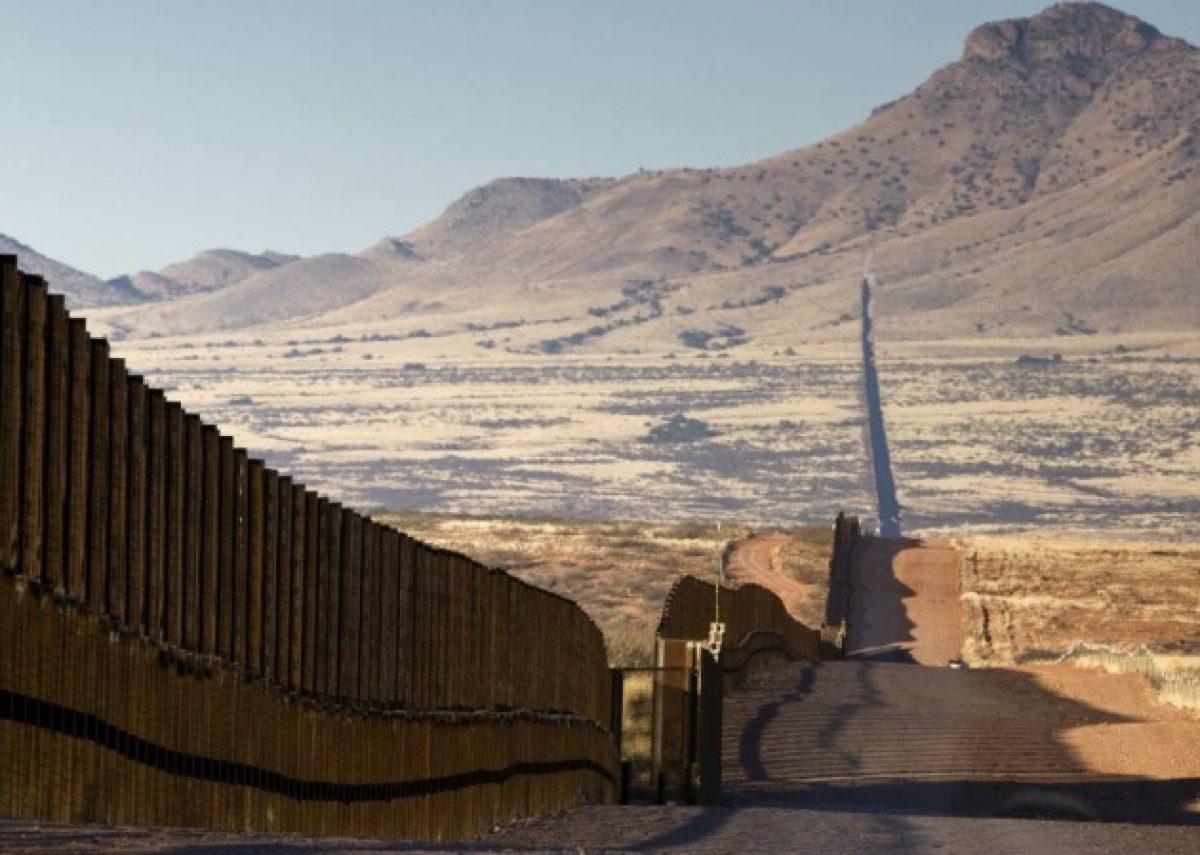 ¿Cómo le llegó la idea a Donald Trump de constuir un muro?