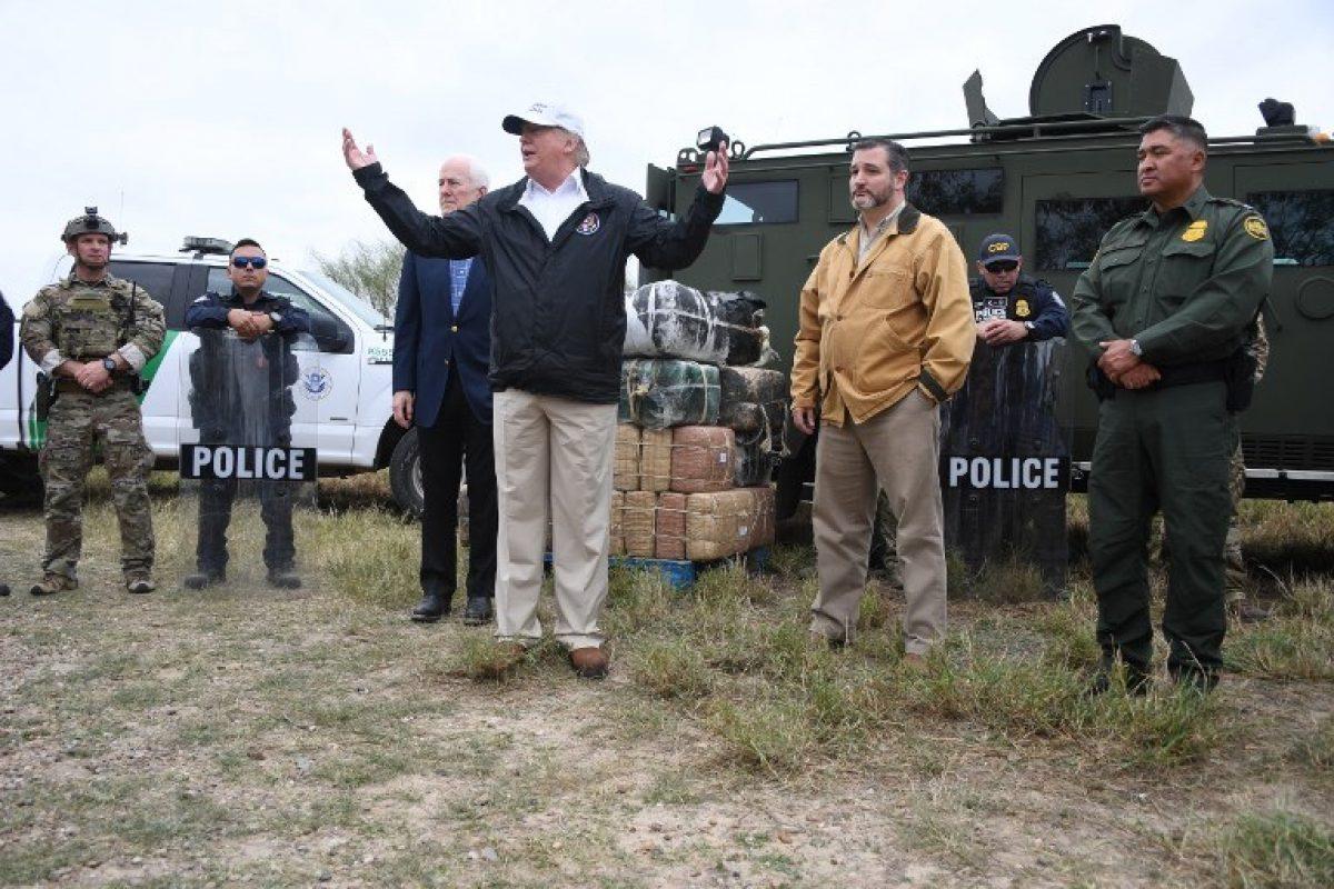 VIDEO: Trump defiende en frontera con México su proyecto de muro