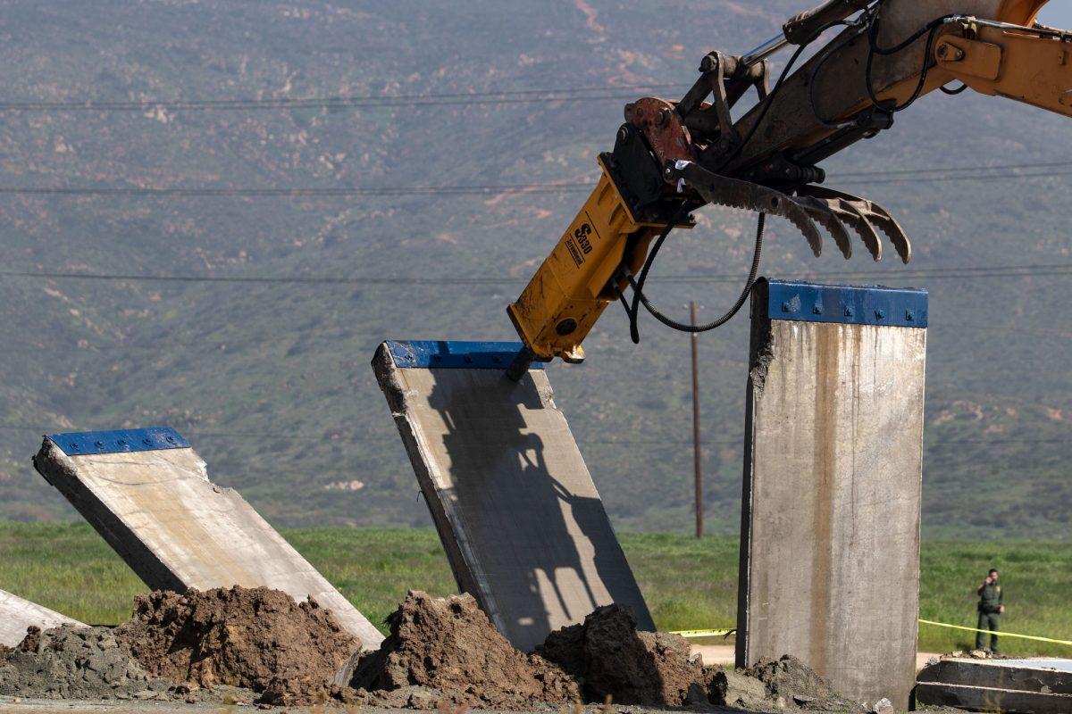 VIDEO: EEUU destruye prototipos de muro en frontera con México