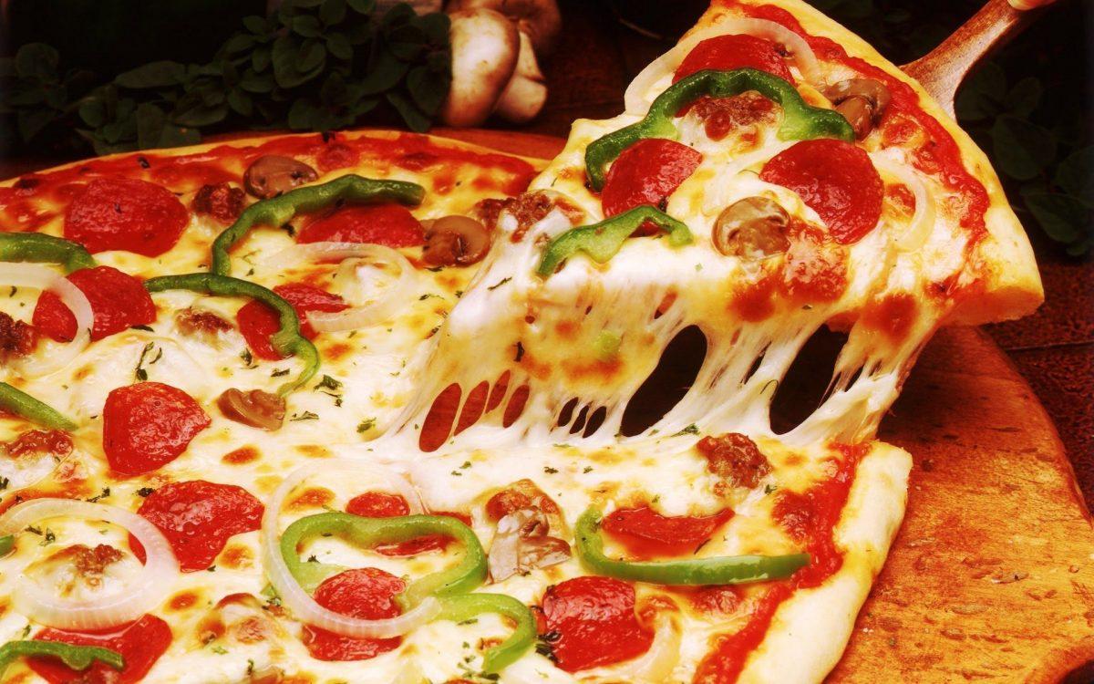 Podría ir 18 años a la cárcel por escupir un pizza antes de entregarla al cliente