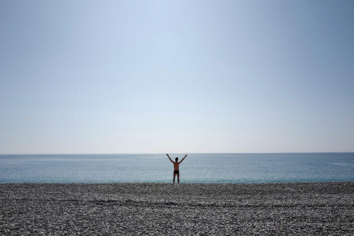 Francia vuelve a cerrar algunas playas al no respetarse normas de distanciamiento