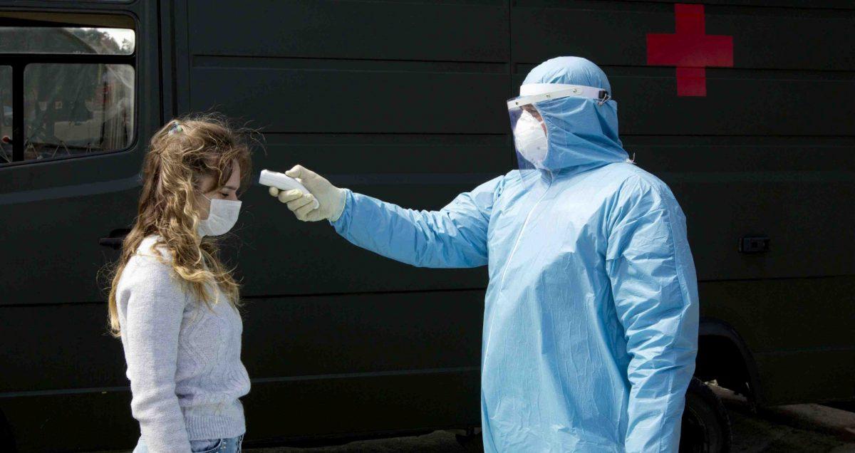 """El director de la OMS afirma que """"el coronavirus estará con nosotros durante mucho tiempo """""""