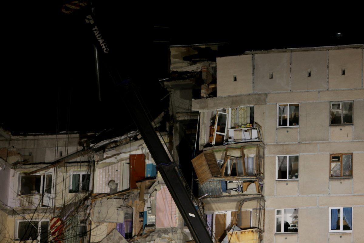 VIDEO: socorristas rusos rescatan a un bebé de edificio destruido