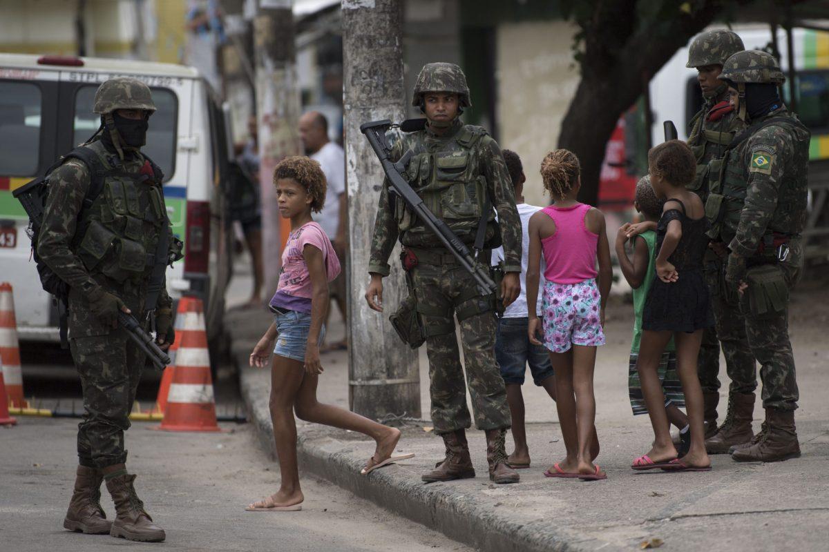 VIDEO: termina intervención militar de Rio, con balance mitigado