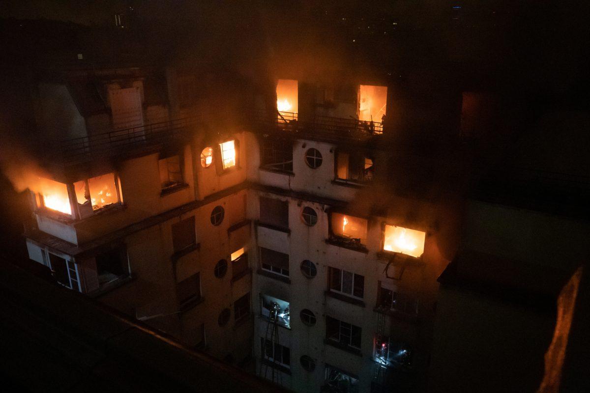 Sospechosa del incendio mortal en París estaba enfadada con un vecino