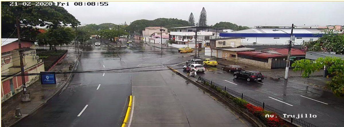 ¡Terrible tráfico por lluvia!: Estas son las calles que debes evitar en Guayaquil