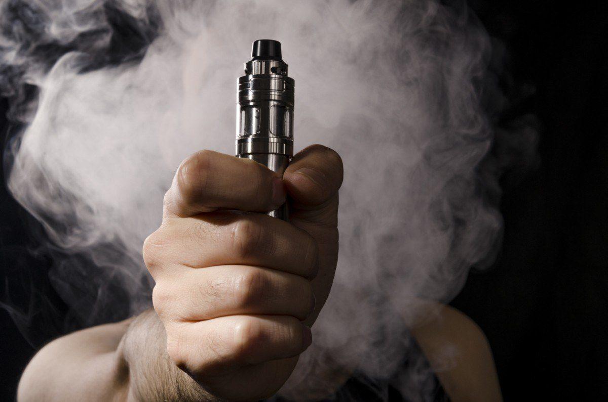 Estudio expone que los cigarrillos electrónicos causan problemas cardíacos