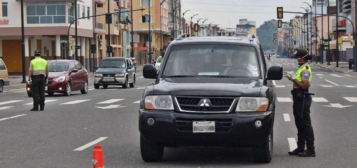 ATENCIÓN   Conozca qué personas y qué vehículos pueden usar el salvoconducto