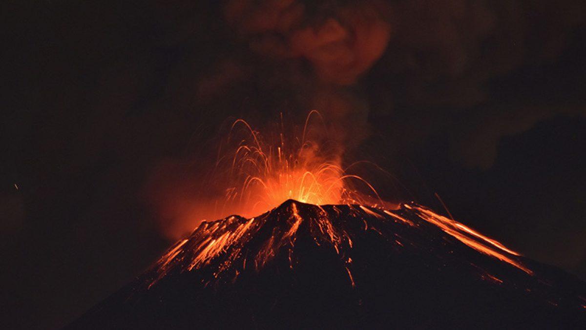México: El volcán Popocatépetl registra una violenta erupción