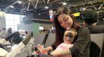 FOTOS | Bebé nacida con 'máscara de Batman' ya muestra los primeros cambios del tratamiento
