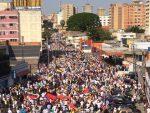 Los venezolanos vuelven a marchar para exigir paso de la ayuda humanitaria
