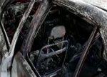 Carro se incendió mientras era reparado en el patio de una vivienda en Manabí