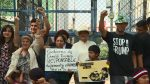 VIDEO: protesta contra política migratoria de EEUU frente a embajada