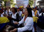 En Venezuela están despidiendo de los hospitales a las enfermeras